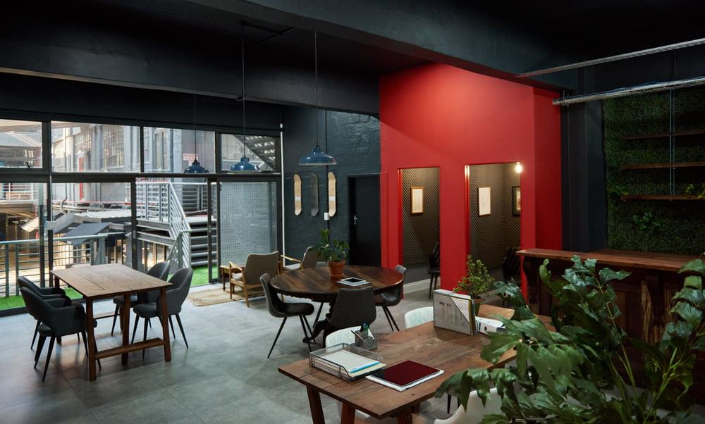 multifunctioneel ingericht modern kantoor